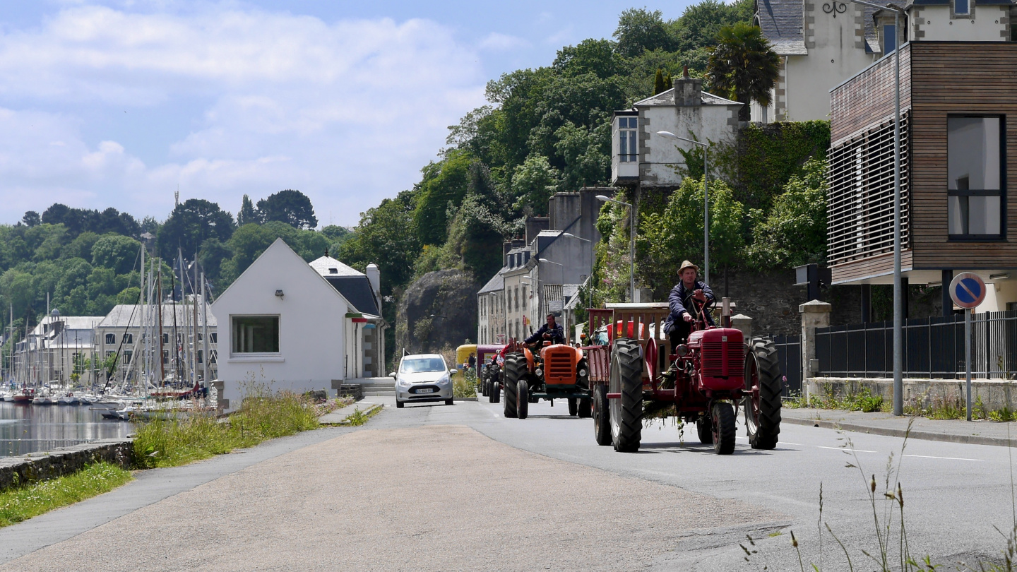 Tractor parade in Morlaix in Brittany