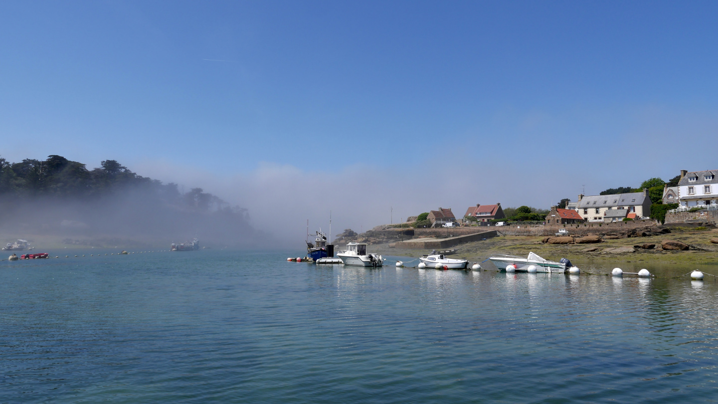 Fog from the sea arriving at Ploumanac'h lagoon in Brittany