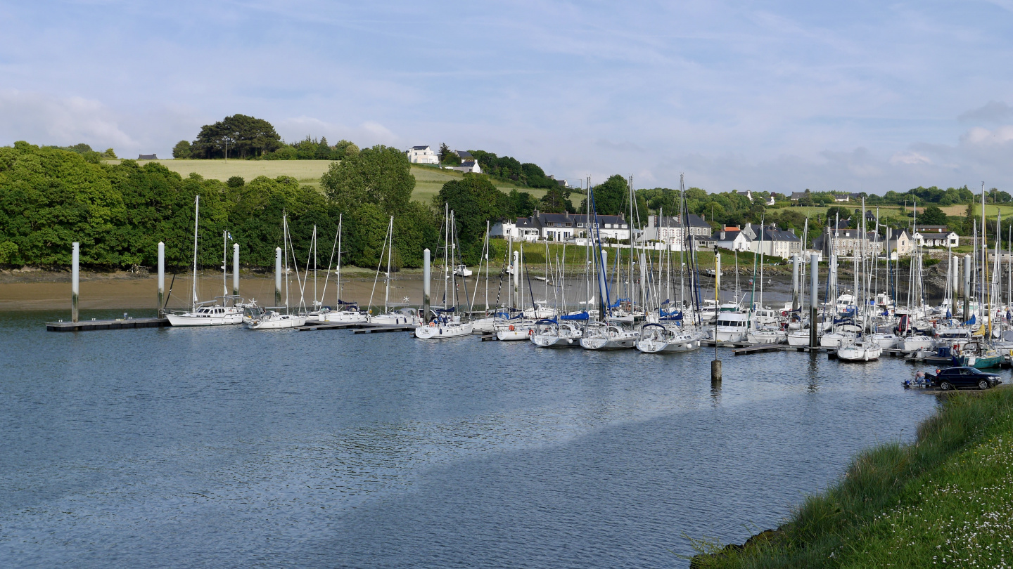 Suwena in the marina of Tréguier in Brittany