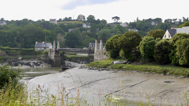 Tréguierin jokimaisemaa Bretagnessa