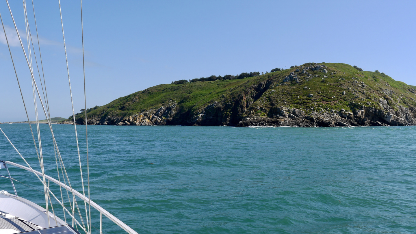 Suwena approaching the island of Herm from the south