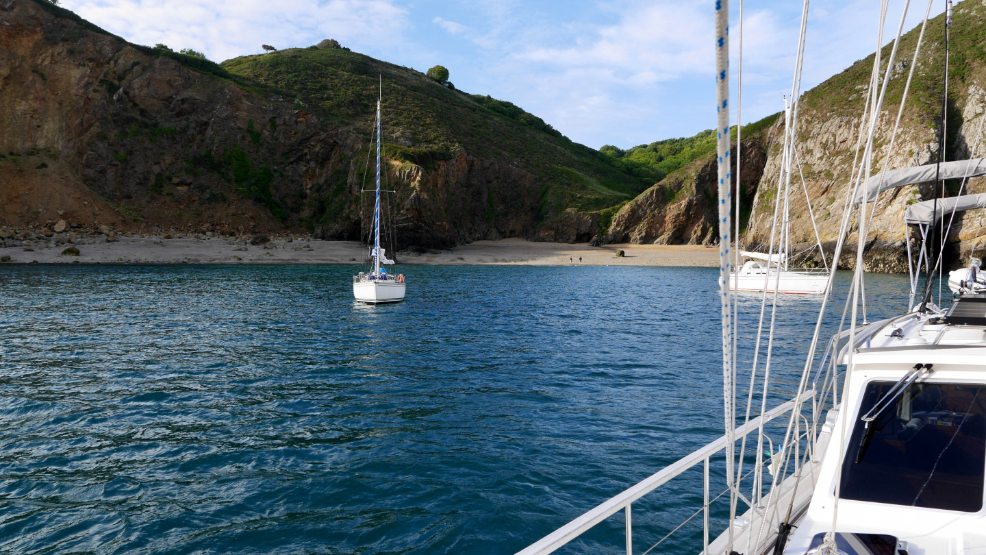 Suwena anchored on Dixcart Bay of Sark
