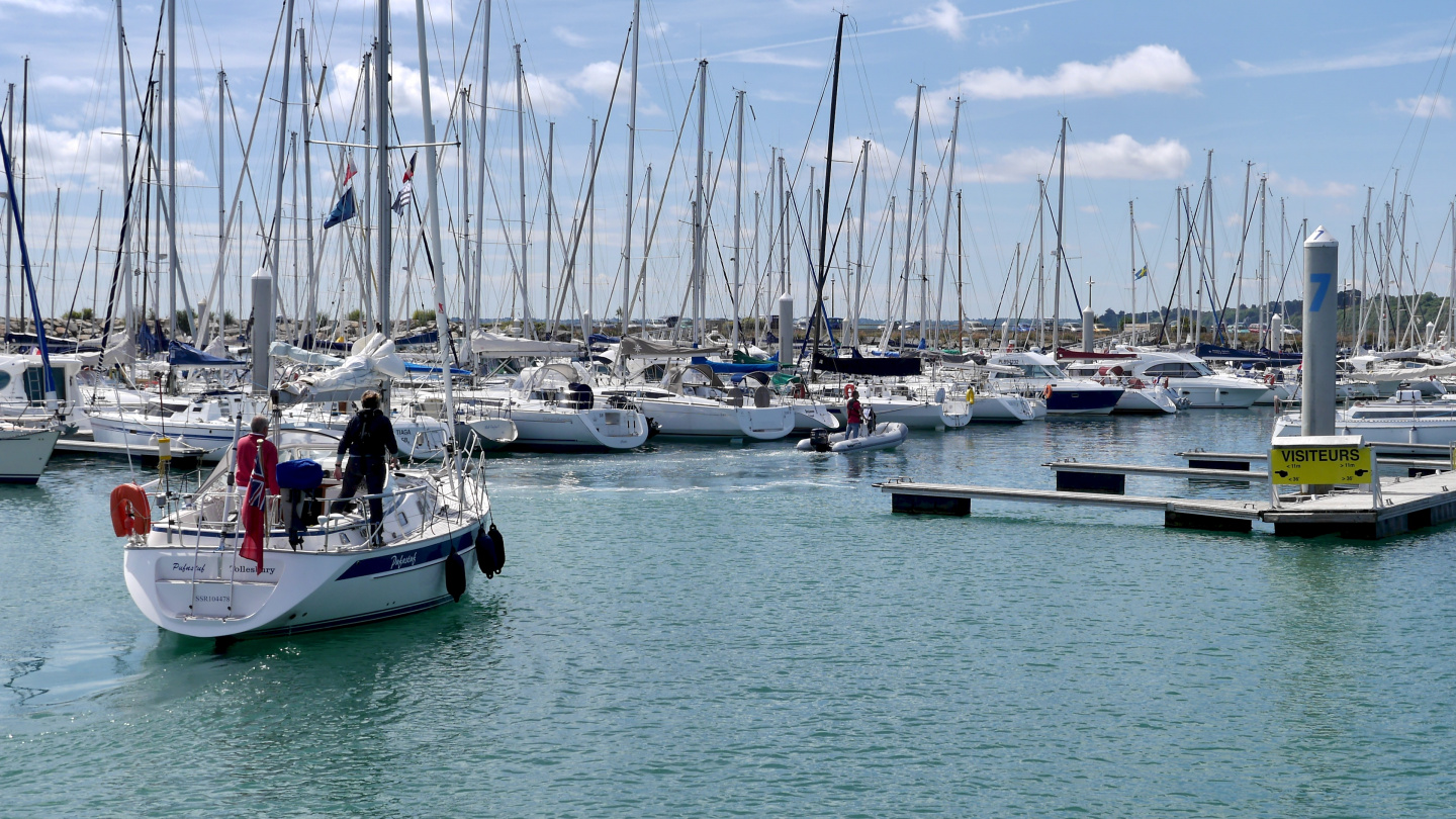 The marina launch met all the arriving yachts in Saint Quay Portrieux