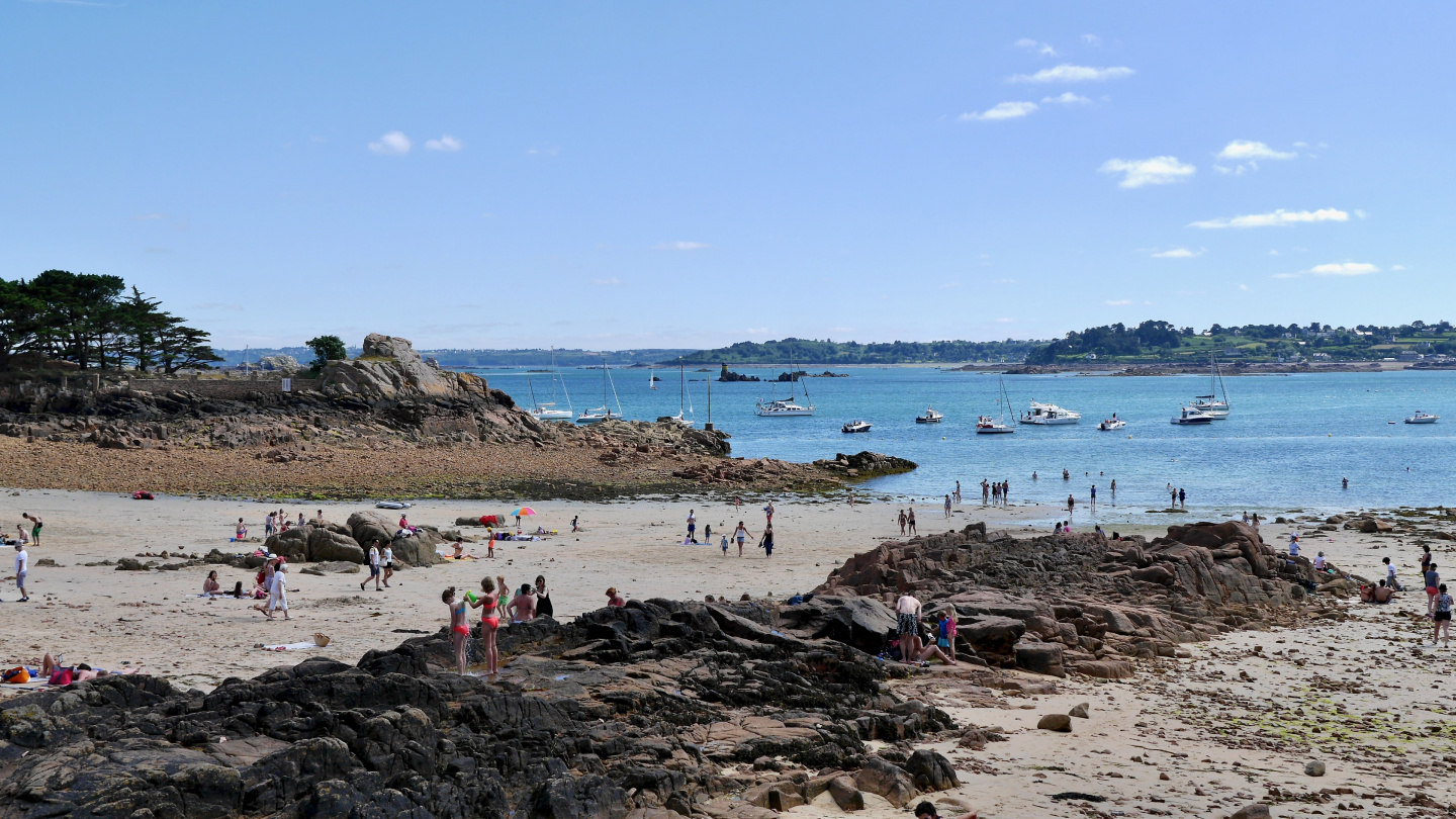 Guerzido beach on the island of Île de Bréhat in Brittany