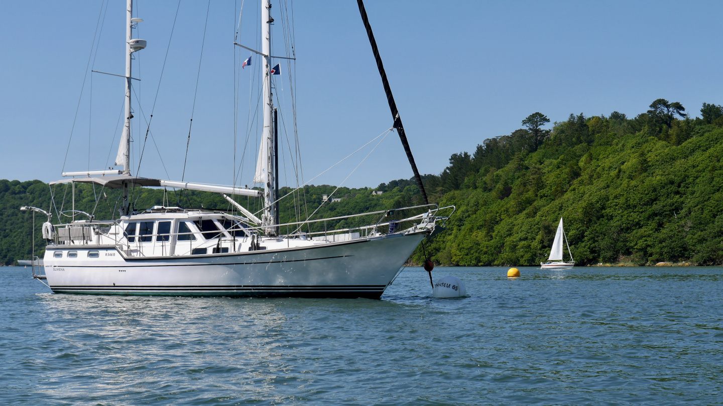 Suwena moored next to the island of Terenez in Brittany