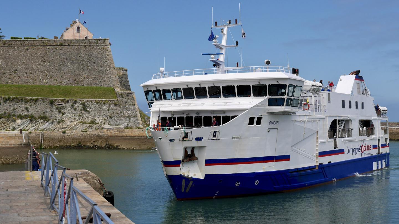 Lautta saapumassa Le Palais:n satamaan Belle-Île saarella Bretagnessa