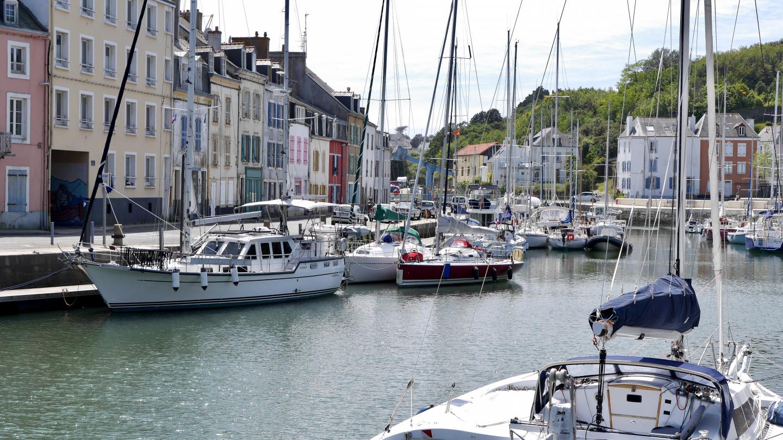 Suwena Le Palais:n satamassa Belle-Île saarella Bretagnessa