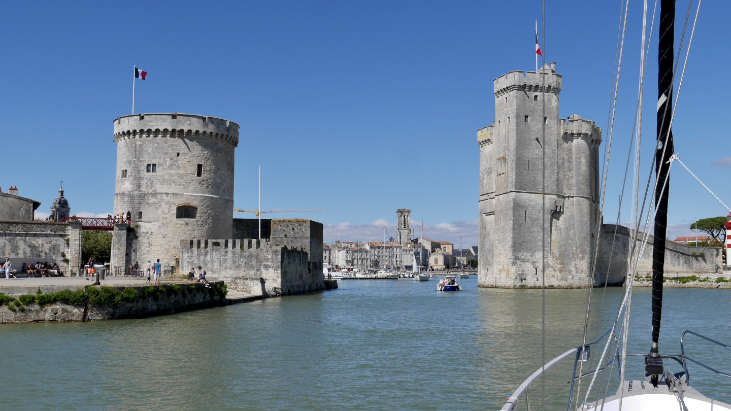 Suwena arriving in La Rochelle