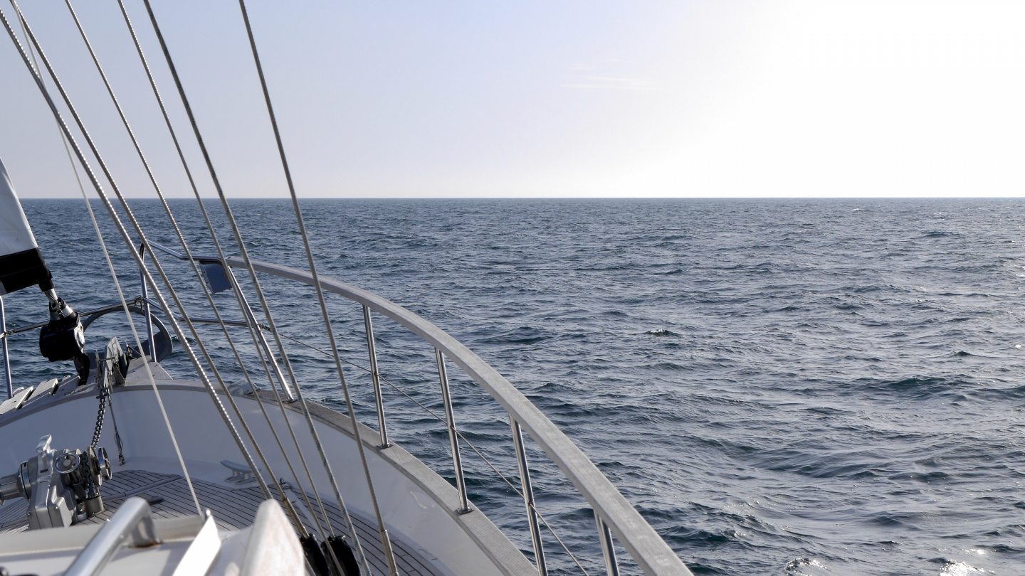 Suwena sailing across the Bay of Biscay