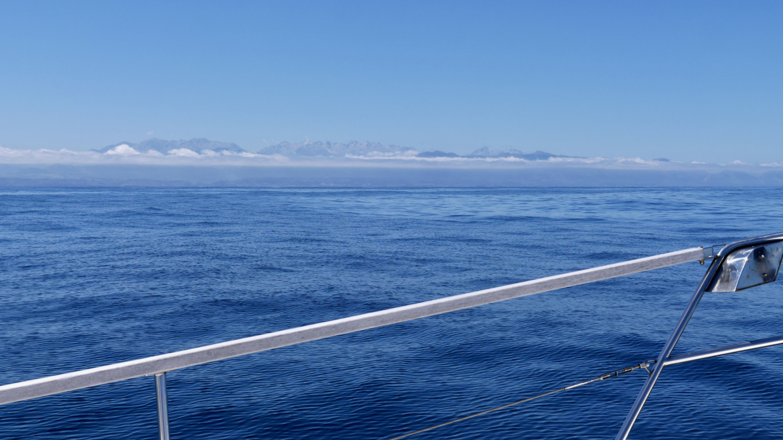 Suwena sailing on the coast of North Spain