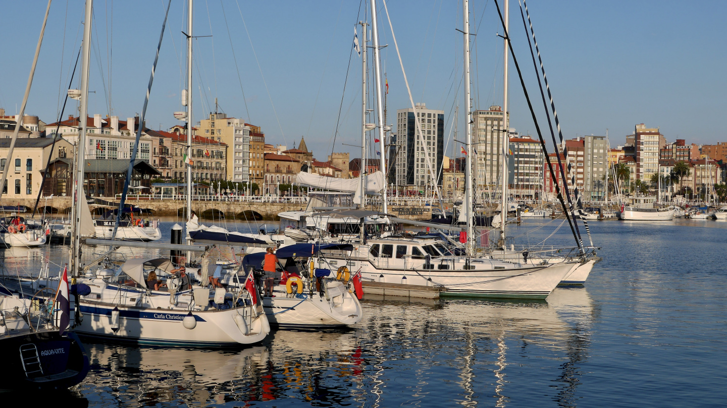 Suwena in the Gijon marina in Spain