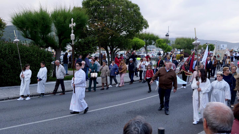 Corpus Christi juhlapäivän kulkue Murosissa Galiciassa