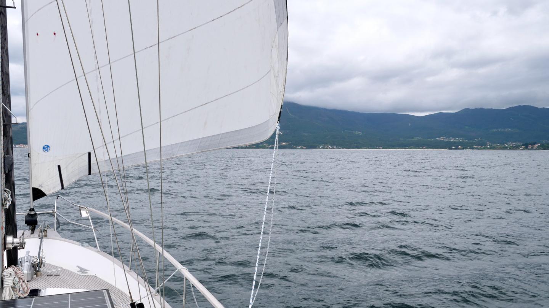 Suwena sailing in Ría de Muros in Galicia