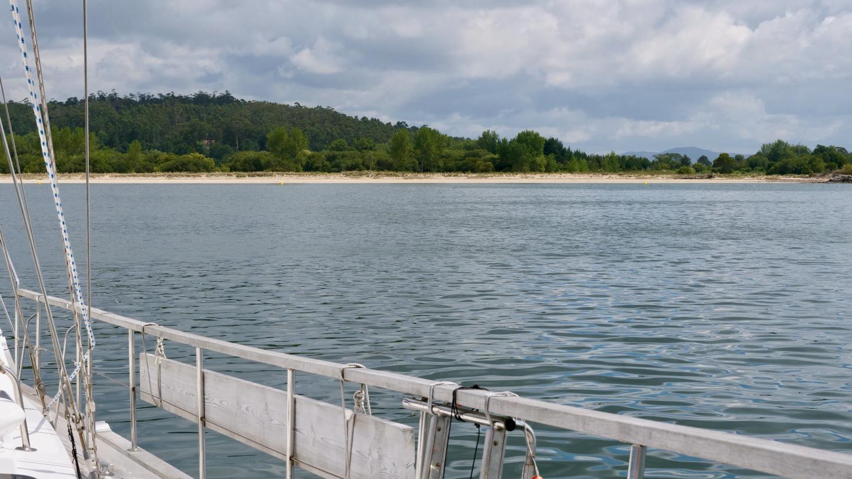 Suwena in Praia de Carragueiros anchorage, Galicia